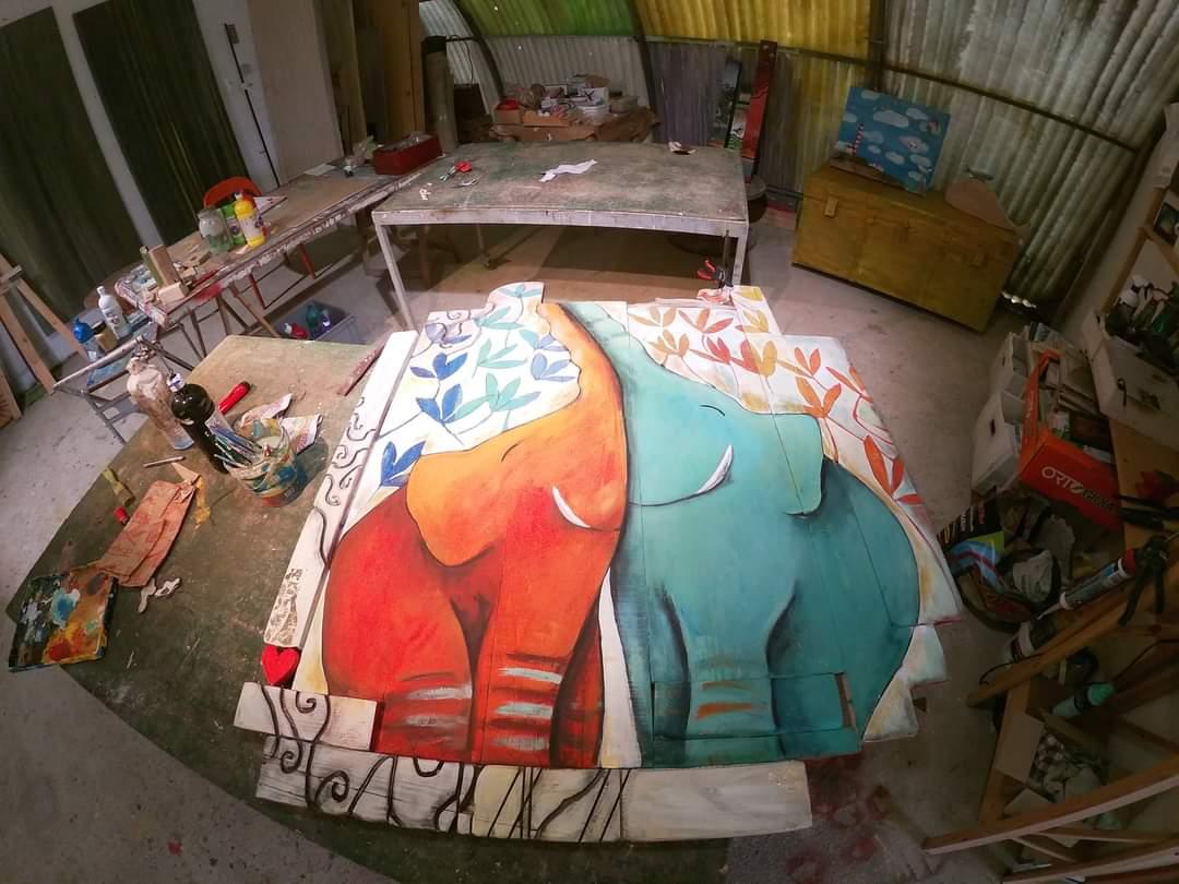 Arialuce dipinti elefanti