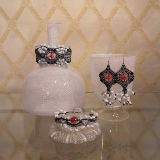 Le creazioni di Laura Bernard, Snodi, per la Venice Glass Week